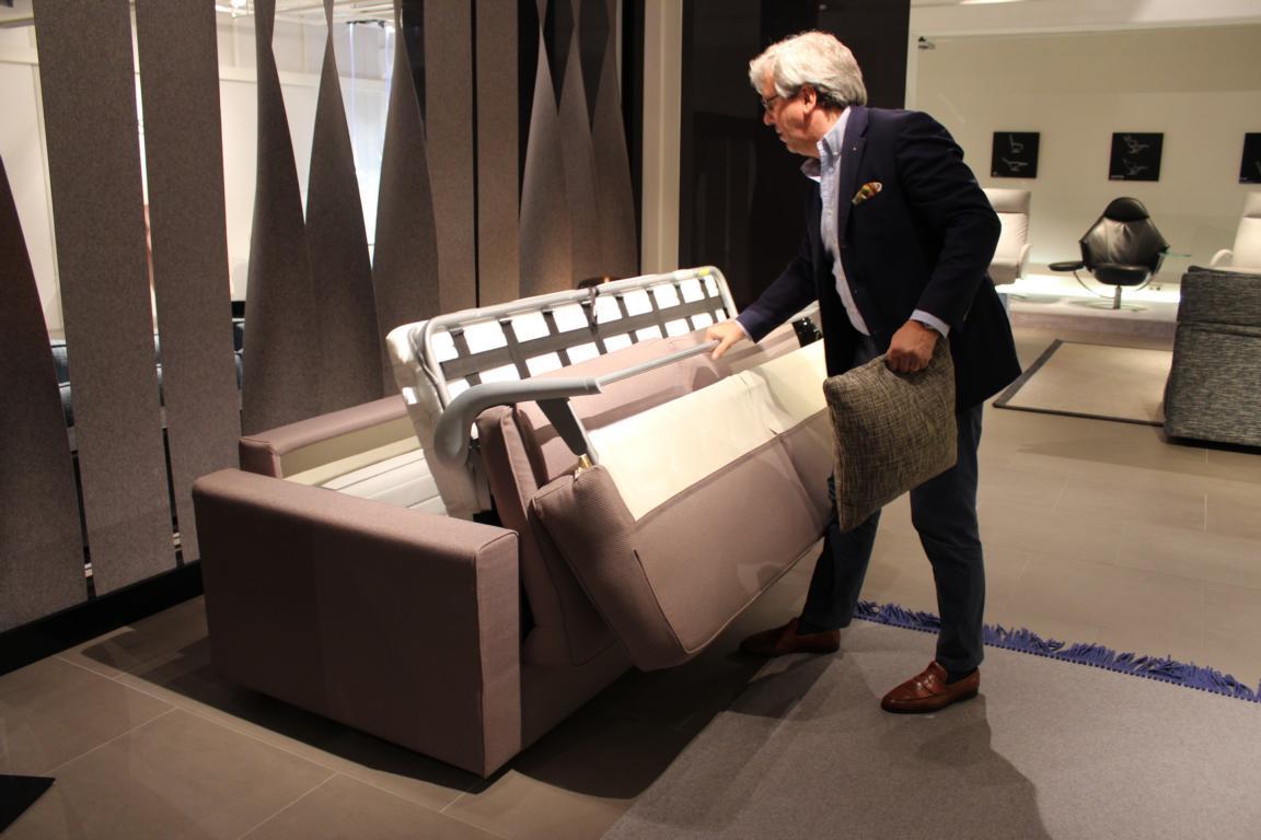 hans g. bock präsentiert neue möbelstücke der bielefelder werkstätten, Hause deko