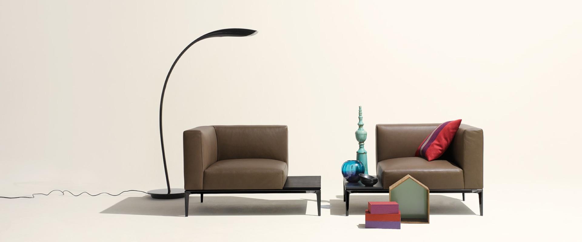 Das Sofa Jaan von Walter Knoll finden Sie bei Hans G. Bock.