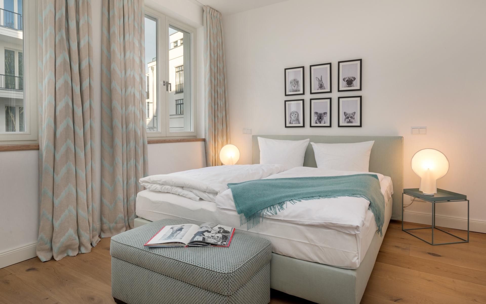Hans G. Bock richtet auch Ferienhäuser ein: Schlafzimmer zum Träumen.